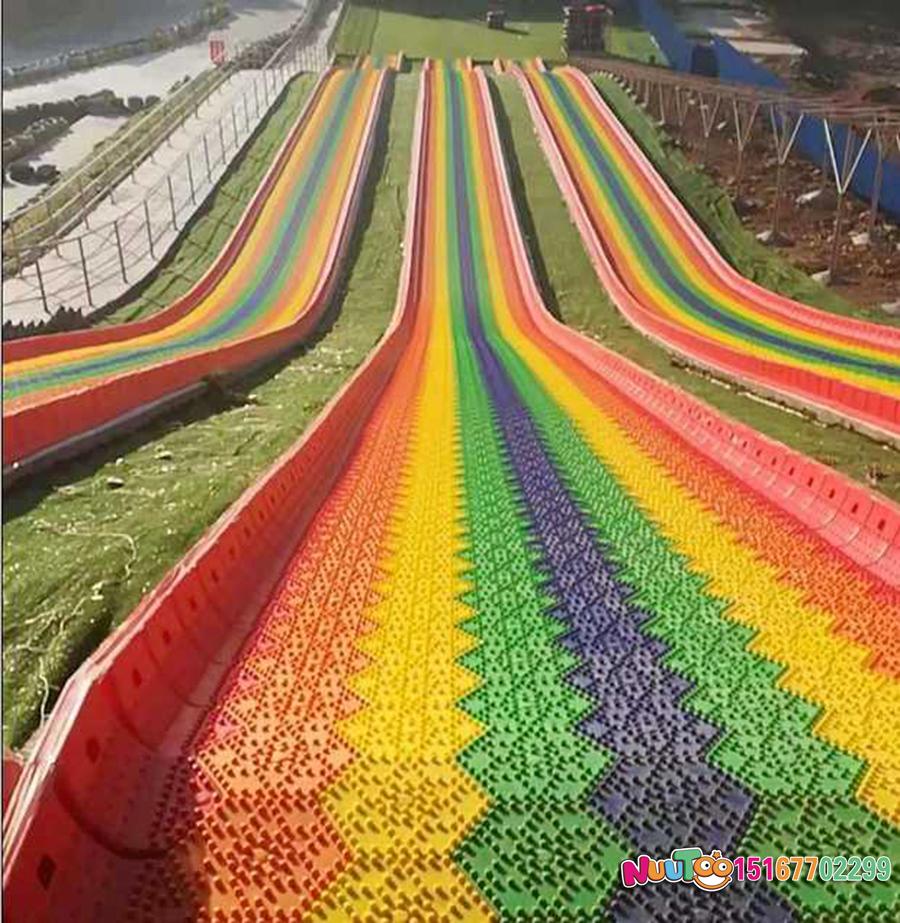 Colorful slides + colorful slides + dry snow slides + flying slides - (15)